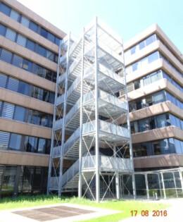 6-geschossige Stahltreppe
